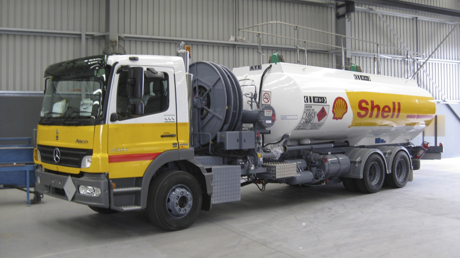 Shell Aircraft Refueller